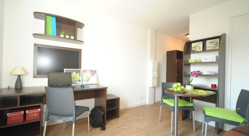 hotel marseille r sidence provence. Black Bedroom Furniture Sets. Home Design Ideas