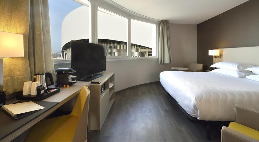 Hotel ac by marriott stade v lodrome marseille for Hotels 4 etoiles marseille