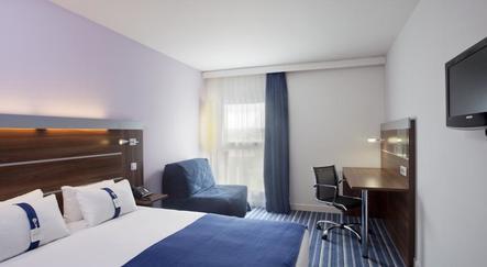 hotel marseille holiday inn express marseille saint charles sur. Black Bedroom Furniture Sets. Home Design Ideas